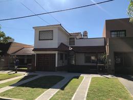 Foto Departamento en Alquiler | Venta en  Lomas De Zamora ,  G.B.A. Zona Sur  TUCUMAN 139