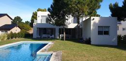 Foto Casa en Alquiler temporario en  Costa Esmeralda,  Punta Medanos  Residencial I 82
