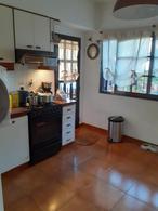 Foto Casa en Venta en  Castelar,  Moron  Montes De Oca al 3500
