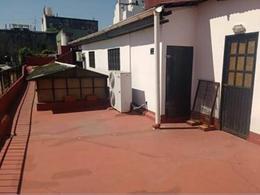 Foto Local en Alquiler en  San Telmo ,  Capital Federal  Humberto 1° al 800
