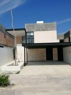 """Foto Casa en Renta en  Mérida ,  Yucatán  Casa en excelente ubicación frente a """"La Isla"""" y cerca de las mejores amenidades."""