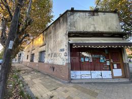 Foto Local en Venta en  Remedios De Escalada,  Lanús  QUIRNO COSTA