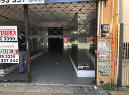 Foto Local en Alquiler en  Unión ,  Montevideo  8 DE OCTUBRE Y Lindoro Forteza