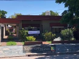 Foto Casa en Venta en  Ezeiza ,  G.B.A. Zona Sur  AVELLANEDA 438