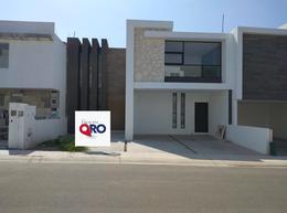 Foto Casa en Venta en  Lomas de Juriquilla,  Querétaro  Urales al 500