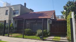 Foto thumbnail Casa en Venta en  Castelar Norte,  Castelar  Santa Rosa al 600