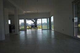 Foto Casa en Venta en  Greenville Polo & Resort,  Guillermo E Hudson  al 100