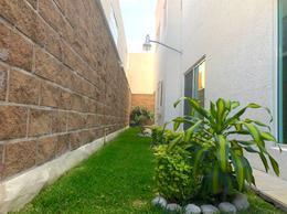 Foto Casa en Venta   Renta en  Extensión Vista Hermosa,  Cuernavaca  Venta de casa en Extensión Vista Hermosa, Cuernavaca…Clave 3190