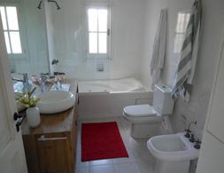 Foto Casa en Venta | Alquiler temporario | Alquiler en  Golf,  Punta del Este  Golf