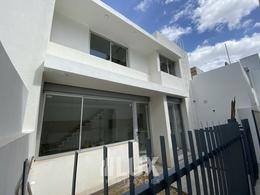 Departamento duplex pasillo estrenar dos dormitorios, parrillero Riobamba 1500 - Abasto Rosario