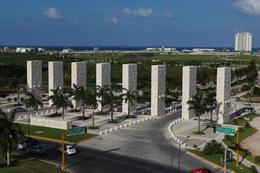 Foto Local en Venta en  Puerto Cancún,  Cancún  Local Comercial  en Venta en Cancún  ESPACIO, 638  m2,  en Puerto Cancún