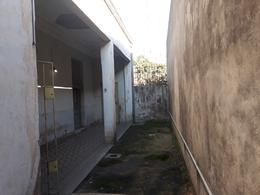Foto Terreno en Venta en  Remedios De Escalada,  Lanus  Dr. Arturo F Melo al 4200
