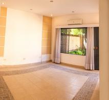 Foto Casa en Venta | Alquiler en  Luque ,  Central  Zona Garden Club, Luque