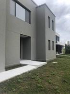 Foto Casa en Venta en  Santa Catalina,  Villanueva  Boulevard de los Santos al 1000