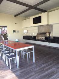 Foto Departamento en Renta en  Santa Ana ,  San José  Apartamento moderno/ Piscina/ Tenis/ Bodega