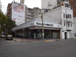 Foto Local en Alquiler en  Microcentro,  Rosario  Local Comercial - Corrientes al 1000