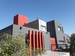 Foto Casa en Venta en  Cañuelas Golf ,  Cordoba Capital  Cañuelas