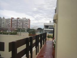 Foto Departamento en Venta | Alquiler en  Aidy Grill,  Punta del Este  Yaro Torre Triangulo