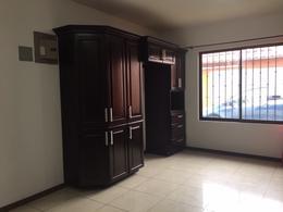 Foto Casa en Venta en  Santana,  Santa Ana  Santa Ana Centro / Una Planta / Ley 7600 / Uso de suelo mixto