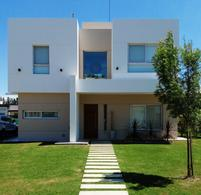 Foto Casa en Venta | Alquiler en  Santa Juana,  Canning  VENTA o ALQUILER Barrio Santa Juana (SIN PISCINA)