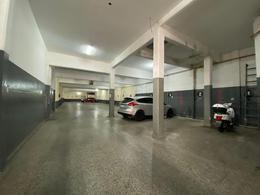 Foto Local en Alquiler en  Wilde,  Avellaneda  MITRE al 5700