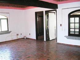 Foto Casa en Venta en  Fraccionamiento Los Sabinos,  Tequisquiapan  Amplia casa en zona gradable