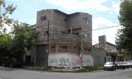 Foto Casa en Venta en  Valentin Alsina,  Lanus  PASO DE LA PATRIA 800