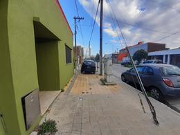 Foto Casa en Venta en  Ensenada ,  G.B.A. Zona Sur  Saenz Peña N°106 esq H Cestino