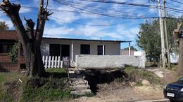 Foto Casa en Venta en  Colonia del Sacramento ,  Colonia  2 casas sobre Fernando J. Carballo. Ideal para renta