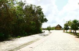 Thumbnail picture Land in Sale in  Lagos del Sol,  Cancún  Lagos del Sol