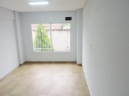 Foto thumbnail Oficina en Alquiler en  Moron,  Moron  Belgrano al 400