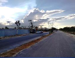 Foto Terreno en Venta en  Pueblo Cholul,  Mérida  Terreno en venta de 2.5 Has en Cholul, Mérida - IDeal para desarrollo /fraccionamiento
