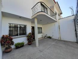 Foto Casa en Venta en  Albatros,  Puerto Vallarta   CASA EN COL. ALBATROS