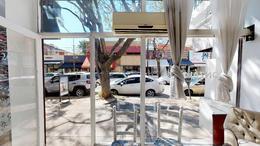Foto Local en Venta | Alquiler en  Mart.-Vias/Santa Fe,  Martinez  Albarellos al 2000