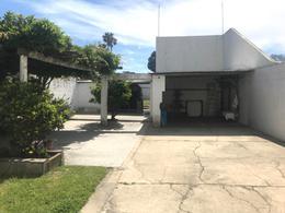 Foto thumbnail Casa en Venta en  Malvín ,  Montevideo  Casa con gran jardín, Zona club Malvín sur.