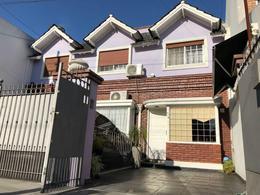 Foto Casa en Venta en FLORA al 800, G.B.A. Zona Oeste | Moron | Haedo