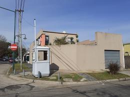 Foto Casa en Venta en  Mart.-Santa Fe/Fleming,  Martinez  FRAY LUIS BELTRAN al 1500