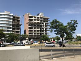 Foto Departamento en Venta en  Puerto Norte,  Rosario  Carballo al 200 - 3 Dormitorios con cochera y baulera (vista franca al río)