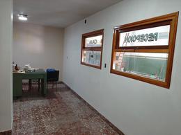 Foto Local en Alquiler en  Bernardino Rivadavia,  Mar Del Plata  Av. Champagnat y Castelli