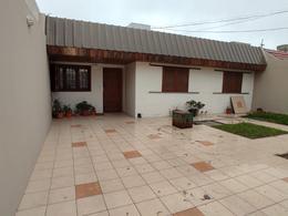 Foto Casa en Venta en  Trelew ,  Chubut  Moretau al al  900