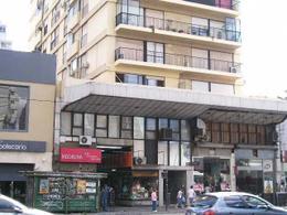 Foto Local en Alquiler en  Belgrano ,  Capital Federal  Cabildo 2400 entre Blanco Encalada y Monroe