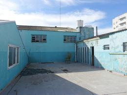 Foto Galpón en Alquiler | Venta en  Puerto,  Mar Del Plata  Cerrito y Solis