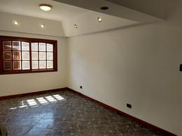 Foto Casa en Venta en  Bella Vista,  San Miguel  Senador Moron al 600