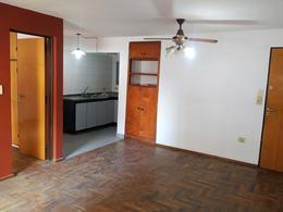 Foto Departamento en Venta en  Guemes,  Cordoba  Ayacucho al 400