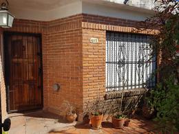 Foto Casa en Venta en  Burzaco,  Almirante Brown  Manzanares 615