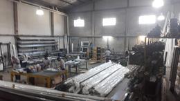 Foto Nave Industrial en Alquiler | Venta en  V.Maipu,  General San Martin  pastor Obligado al 2500