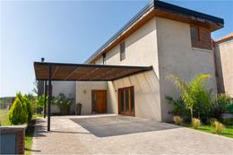 Foto Casa en Venta en  Vila Marina,  Countries/B.Cerrado (Tigre)  Boulevar de Todos los Santos al 4000, Vila Marina