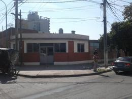Foto Local en Alquiler en  Parque 9 De Julio,  San Miguel De Tucumán  Amadeo Jacques al 100