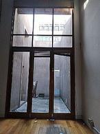 Foto Oficina en Alquiler en  Ciudad Vieja ,  Montevideo  Sarandi esq Misiones