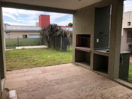 Foto Casa en Venta en  José Hernández,  La Plata  BARRIO DON CARLOS, 132bis y 508